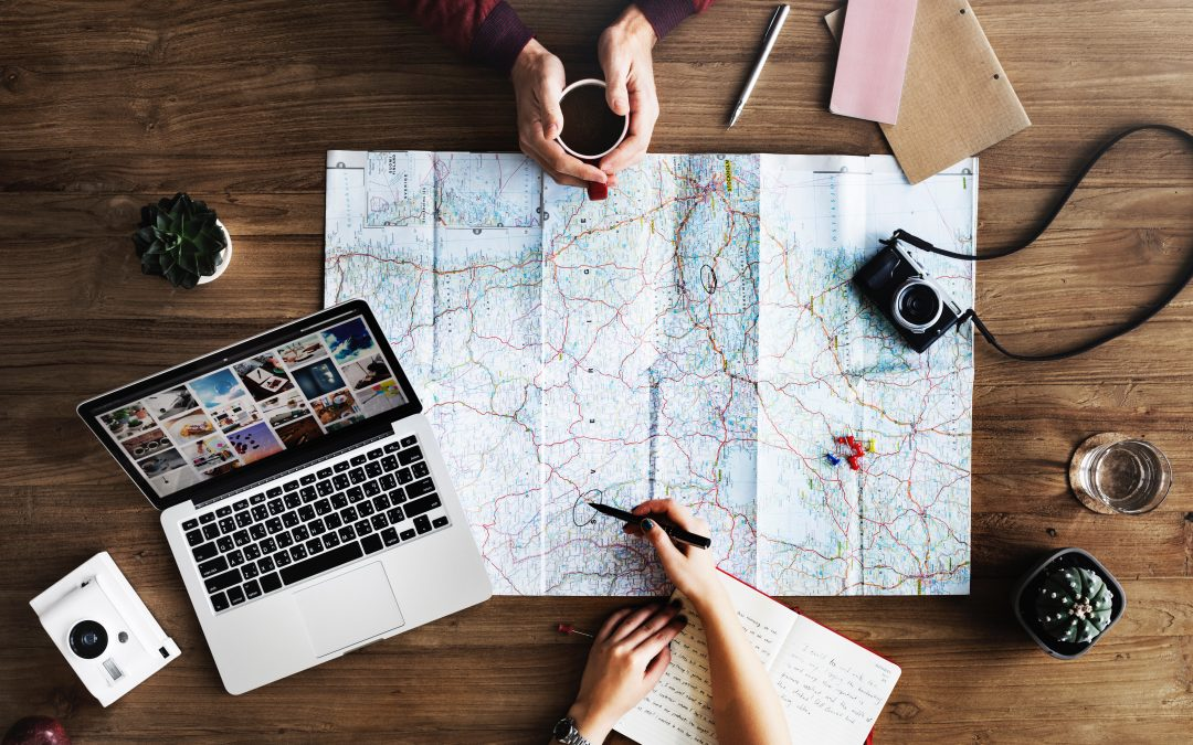 3 Travel Bloggers To Follow